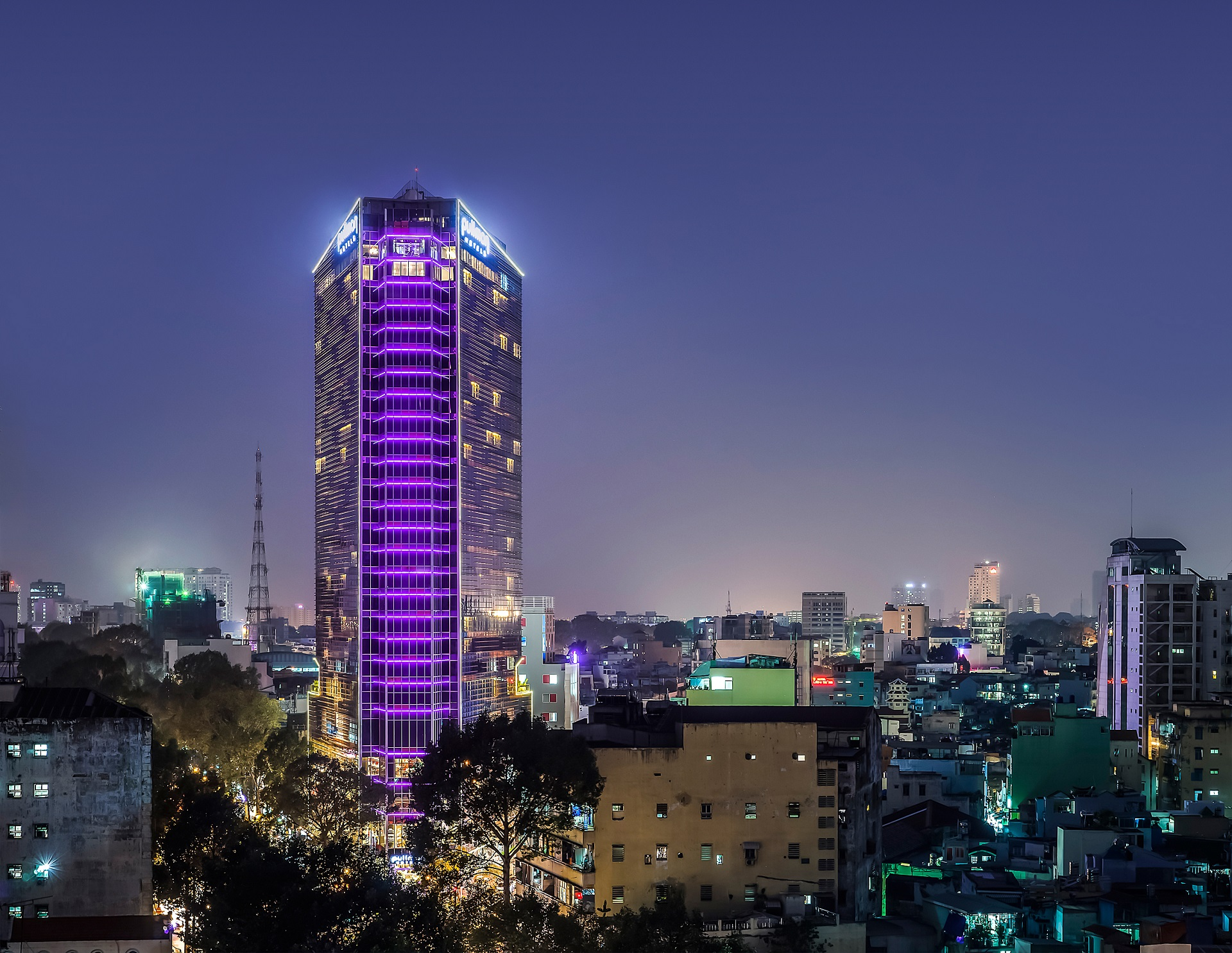 Khách sạn Pullman Centre Saigon